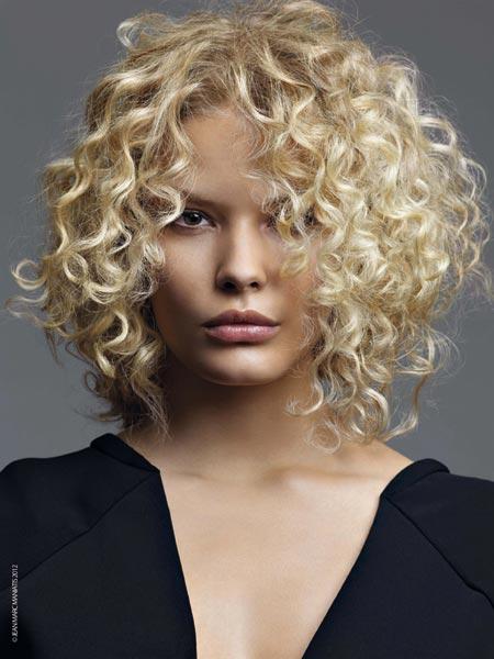 Tagli capelli ricci per dare volume